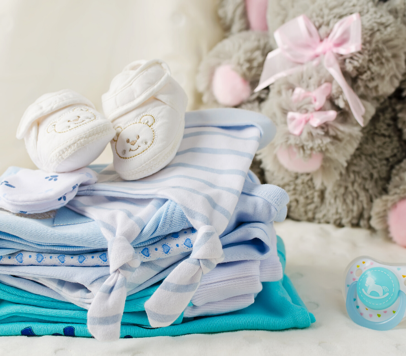 Šta je Potrebno od Odeće za Bebu u Prvih Mesec Dana (1)