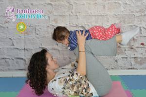 yoga-za-mame-i-bebe-klackalica-prava-uzivancija-clanak-3