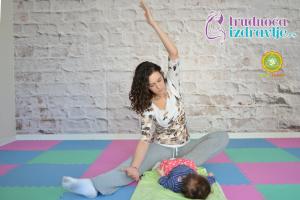 yoga-za-mame-i-bebe-protezanje-istezanje-clanak-1
