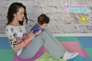 yoga-za-mame-i-bebe-protezanje-istezanje-clanak-6