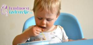 dete-za-porodicnom-trpezom-problemi-u-ishrani-u-vezi-hranjenja-lepo-ponasanje-clanak-4