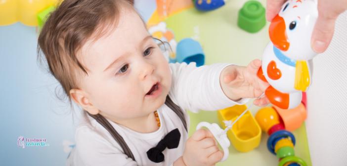 Kako birati igračke od rođenja do druge godine