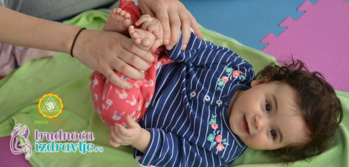 omiljena-bebina-vezba-tap-tap-tap-yoga-za-mamu-i-bebu