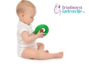 vezbe-za-stimulaciju-razvoja-fine-motorike-u-prvoj-godini-iz-meseca-u-mesec-clanak-5