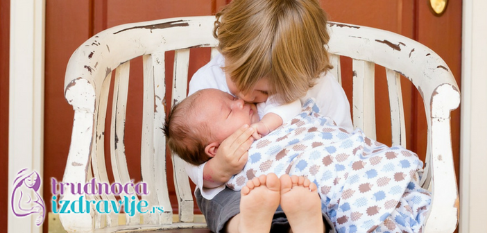 Kada boja, broj stolica i dr. kod odojčeta, bebe i deteta, treba da zabrinu objašnjava član stručnog tima portala Trudnoća i zdravlje pedijatar gastroenterolog