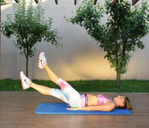 Licencirani fitnes instruktor, član stručnog tima portala Trudnoća i zdravlje, daje program vežbi za 3. mesec ,Majine vežbe za 3 meseca do fit forme.