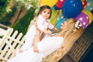 Portal Trudnoća i zdravlje na Foto konkursu Moja beba, nagradjuje izabrane fotografije beba meseca, druženje sa roditeljima, afirmacija porodice i porodičnih vrednosti.