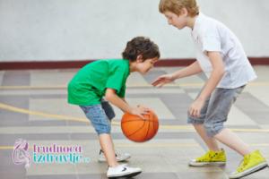 Košarka za decu od 3 do 6 godina, šta sve deca mogu da savladaju od veštima u ovom uzrastu.