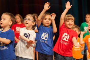 Zašto je pevanje podsticajno za razvoj dece predškolskog uzrasta , kako prepoznati muzički talenat, muzički pedagog i master menadžer u obrazovanju, clan stručnog tima portal Trudnoća i zdravlje.