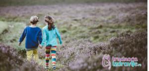 Decu treba pustiti da se i raduju životu i slobodno samoostvaruju.