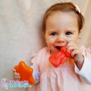 Neverbalna komunikacija od 9. do 16. meseca Vašeg deteta prethodi govoru.