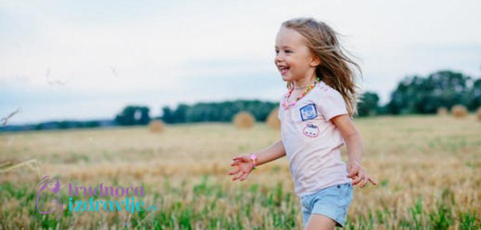 Prva pitanja mališana, pitanja u kasnijem razvoju deteta i kao pitanja i odgovori utiču na saznajni razvoj i mišljenje