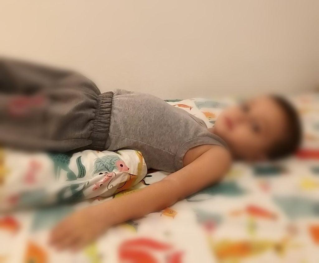 Izbacivanje sekreta iz pluća bebe ili deteta (5)