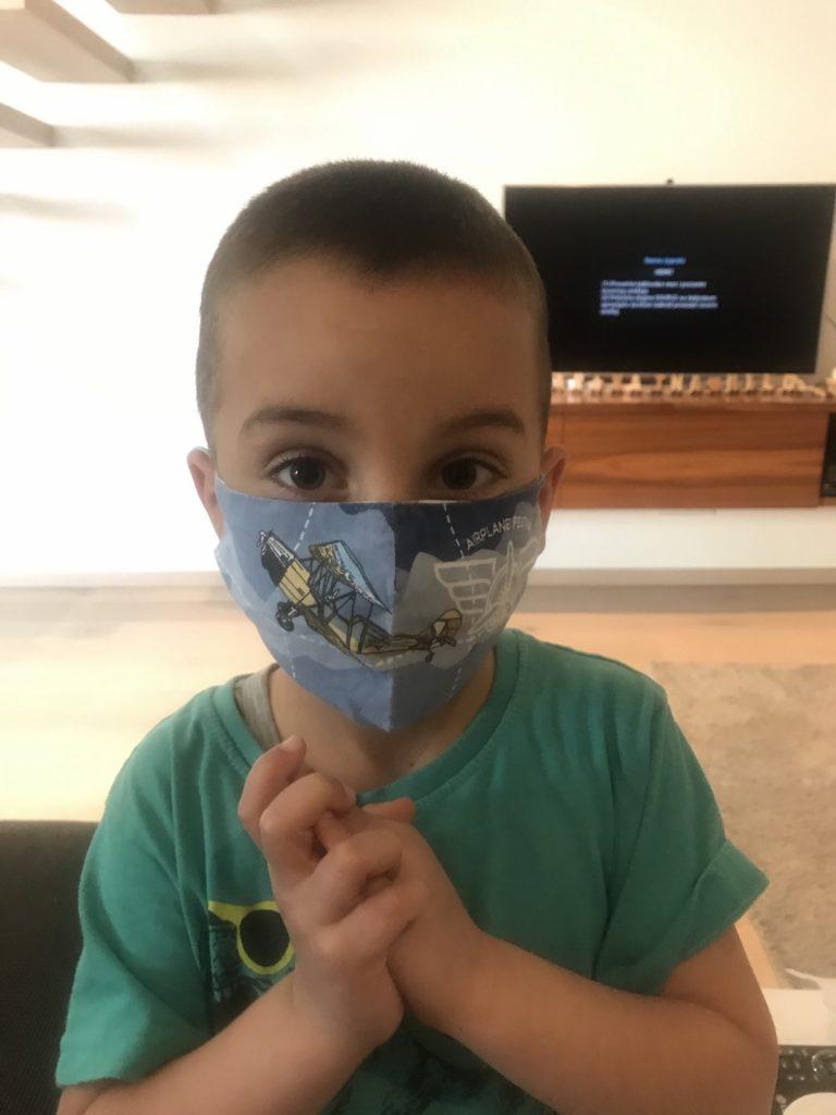 kako napraviti masku za dete, mamu i tatu