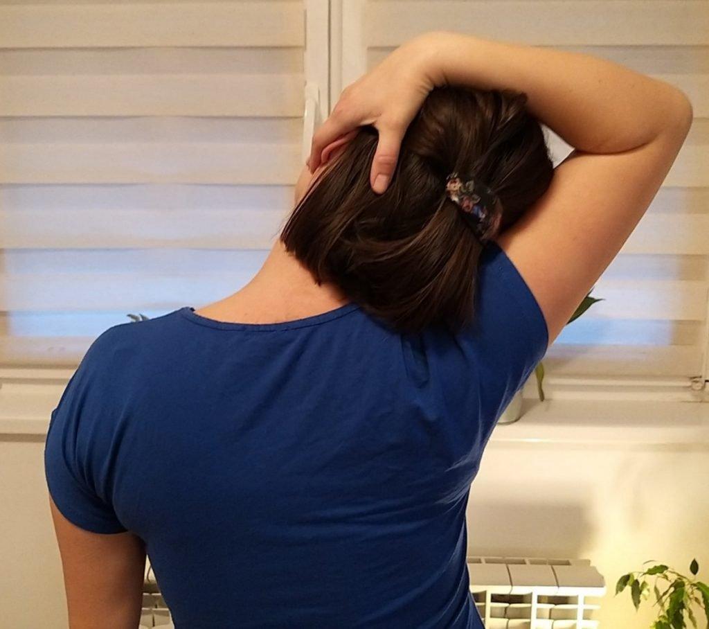 Lagane vežbe istezanja u ranoj fazi oporavka posle porođaja, za rastetećenje vratno ramene regije (1)