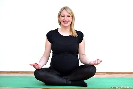 yoga-i-trudnica–sistanje-smeh