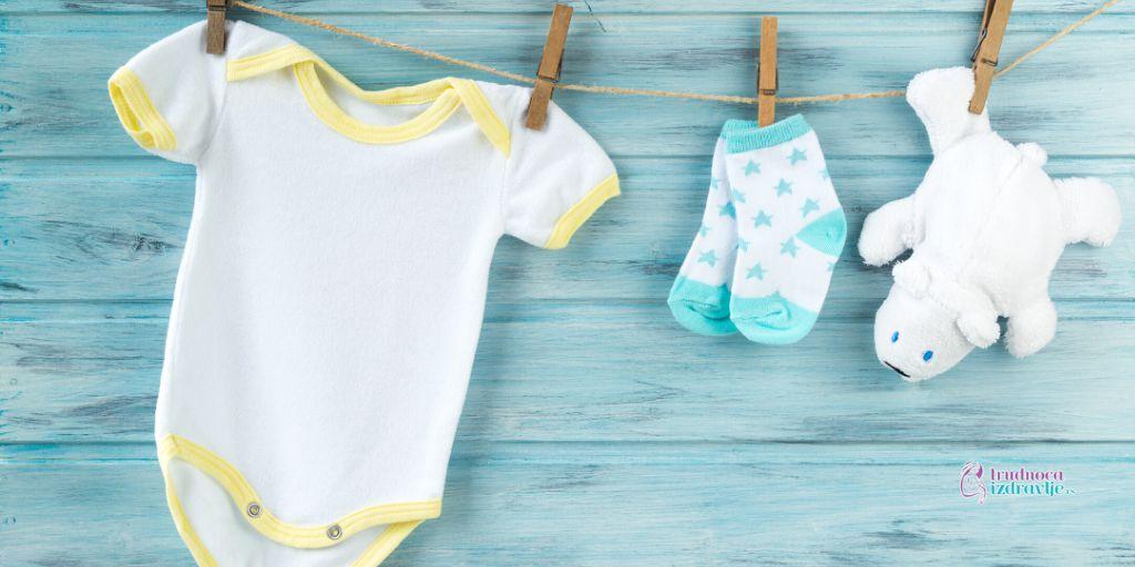 Šta je u prvih mesec dana potrebno nabaviti za bebu od odeće