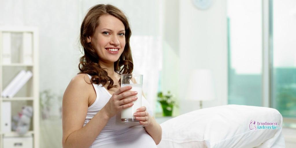 Koliko dnevno trudnica treba da unese mlečnih proizvoda, mleka, kiselog mleka, sira