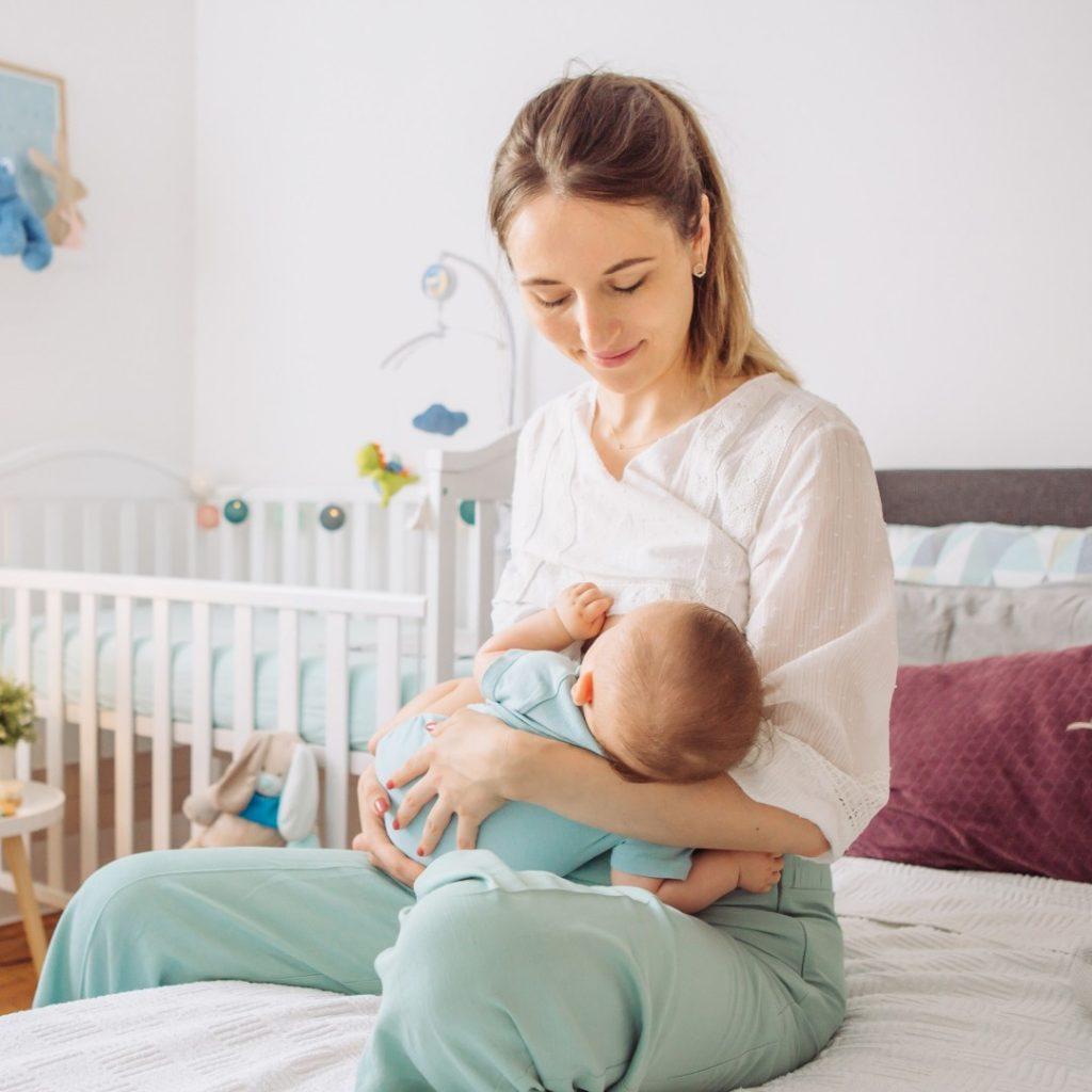 Dojenje izmlauzanje polozaji za dojenje 1