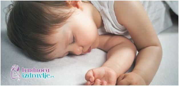 Beba i Zubi - Da li su mlečni zubi važni - Trudnoća i Zdravlje