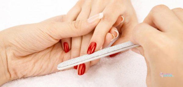 Ulepšavanje noktiju trudnice