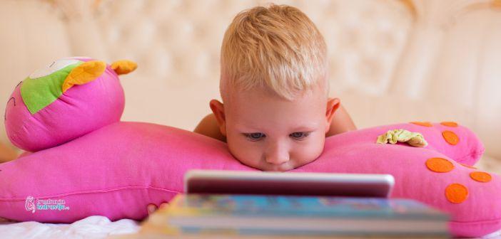 Da li je smirivanje crtaćima štetno za dete
