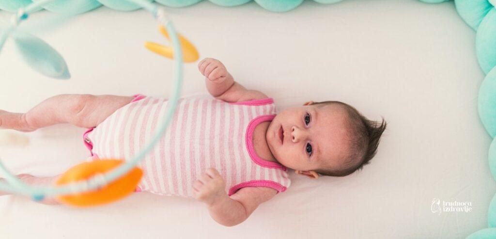 Igre i igračke bebe - Rani razvoj do 3. meseca