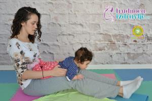 yoga-za-mame-i-bebe-protezanje-istezanje-clanak-8