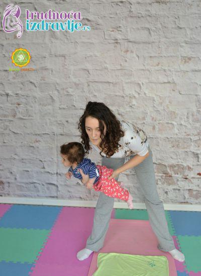 ljuljanje-yoga-za-mame-i-bebe-clanak-1
