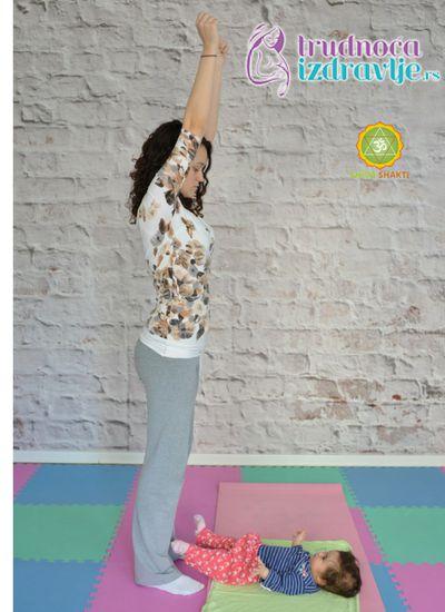 mravici-yoga-za-mame-i-bebe-clanak-2