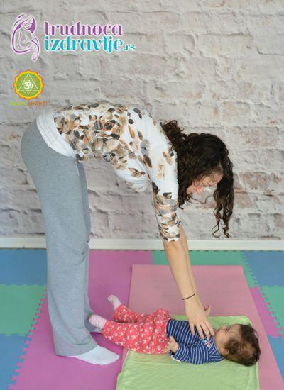 mravici-yoga-za-mame-i-bebe-clanak-4