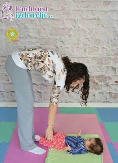 mravici-yoga-za-mame-i-bebe-clanak-5