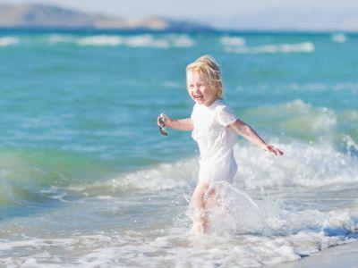 Bebe i decu treba sto više šetati duž obale u jutarnjim i večernjim časovima zbog veće zasićenosti joda u vazduhu u tom periodu!