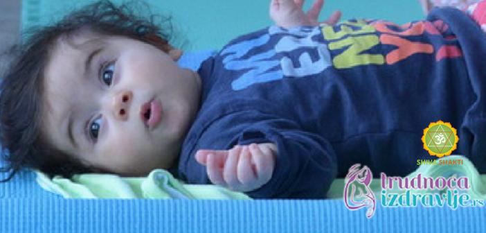 vezba-za-bolju-probavu-bebe-yoga-za-mame-i-bebe