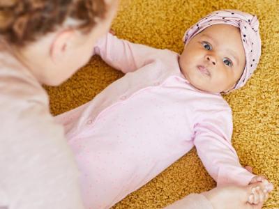 Vežbe za bolji psihomotorni razvoj bebe u prvoj godini (1)
