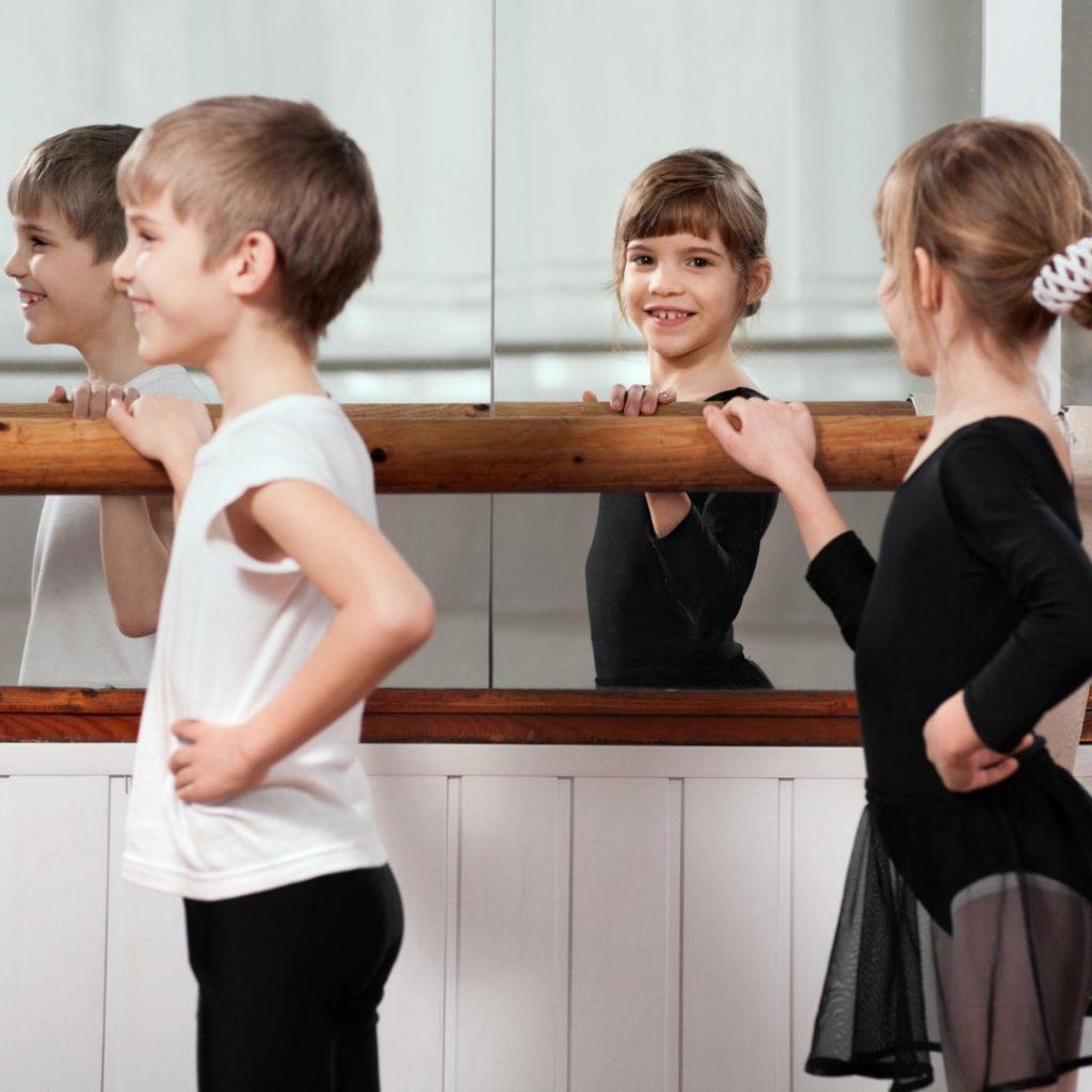 moderan-balet-sjajna-aktivnost-za-vase-dete (1)