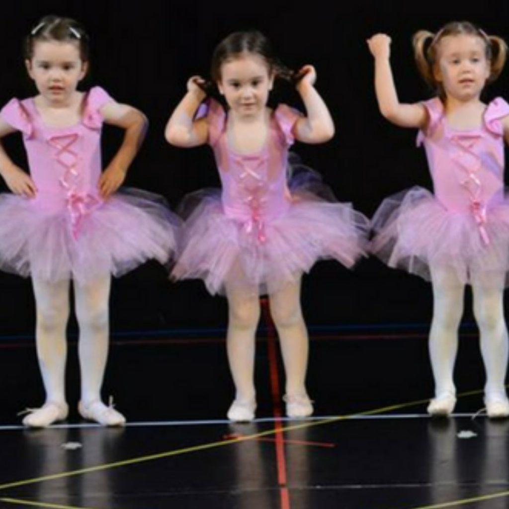 moderan-balet-sjajna-aktivnost-za-vase-dete (2)