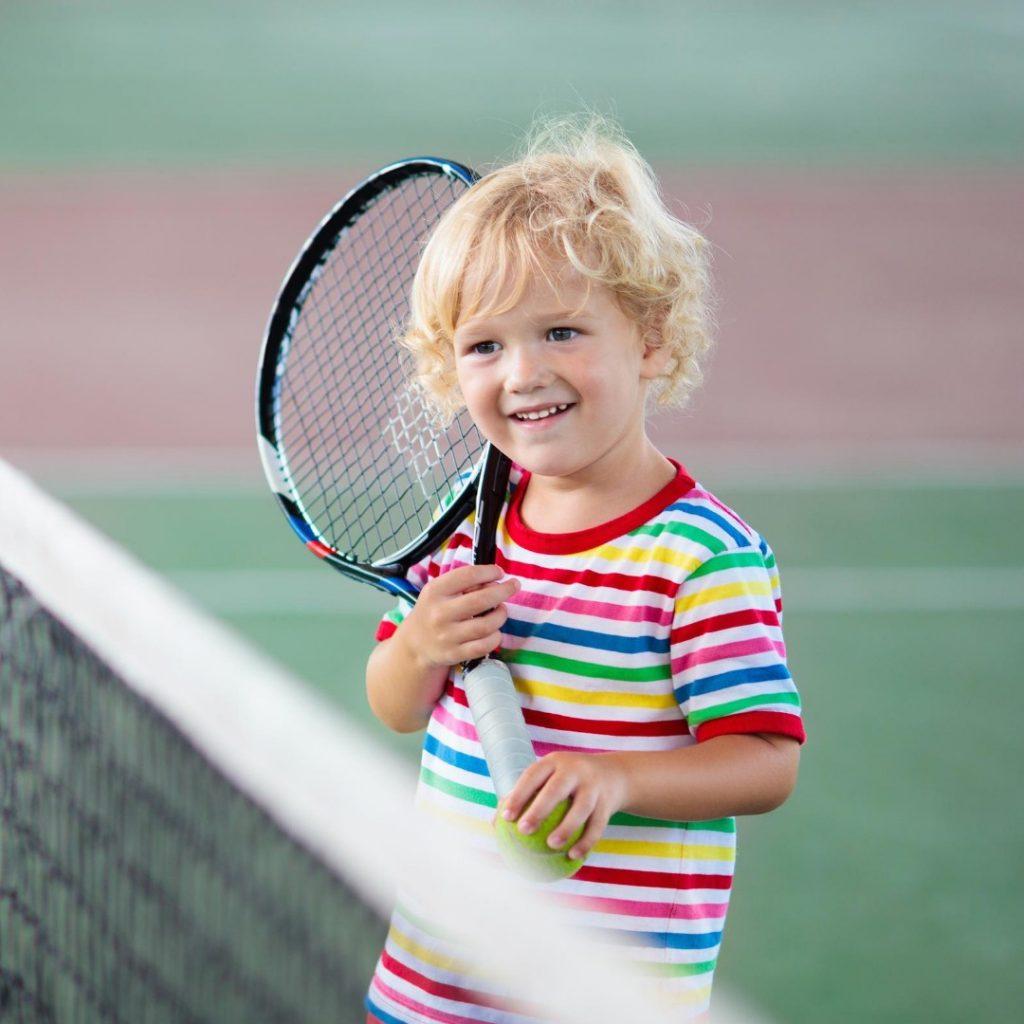 Malo dete i tenis (3)