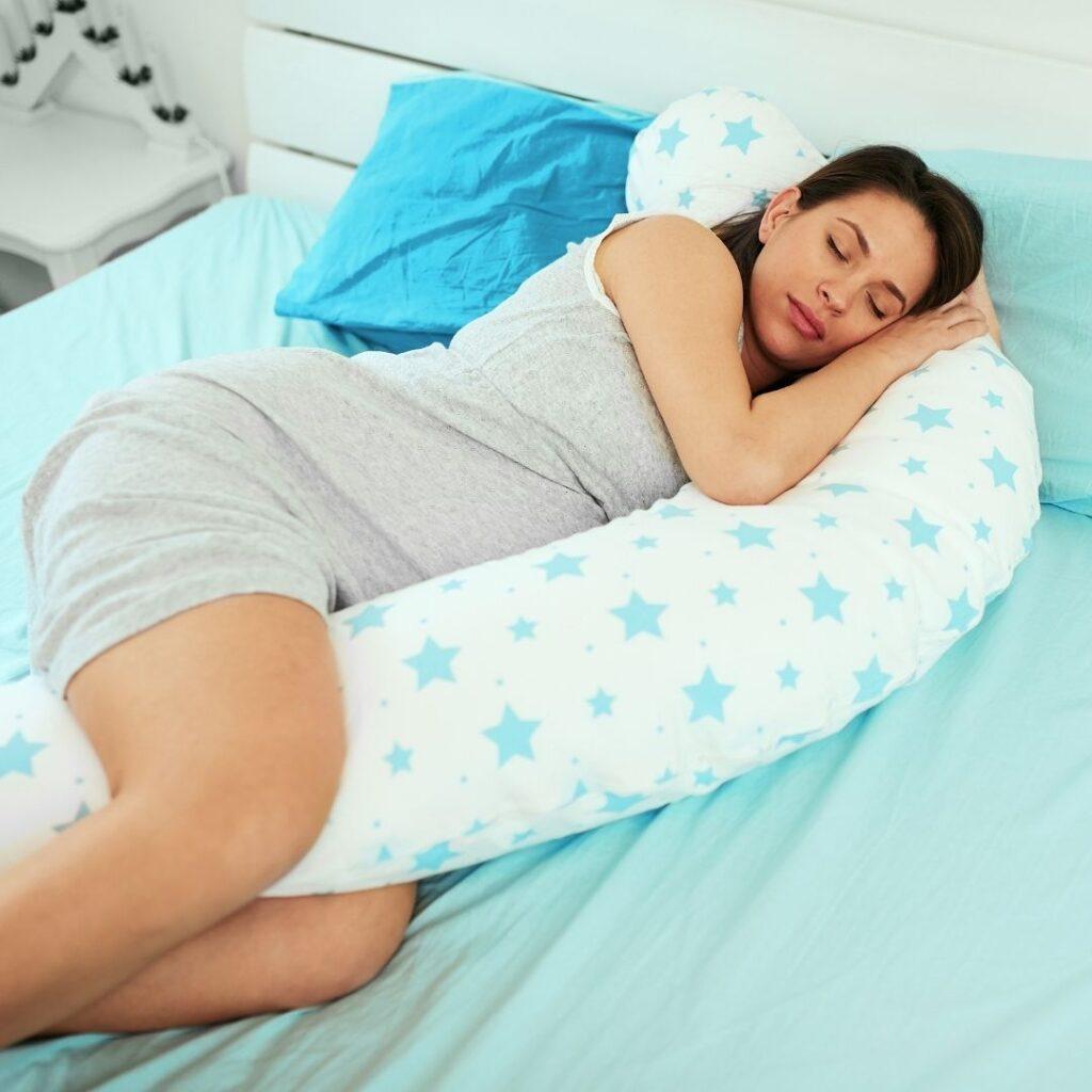 Koji su najbolji položaji za spavanje trudnica i zašto