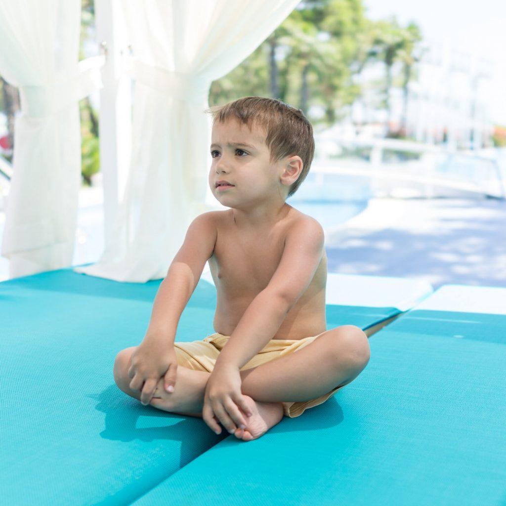 Pravilno i nepravilno sedenje dece (5)