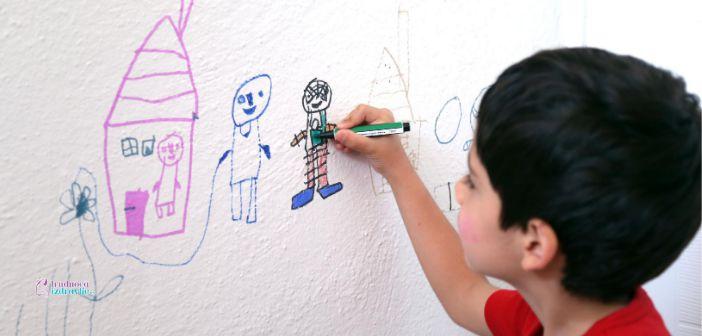 Četvorogodišnja Elena Minić motivisano crta