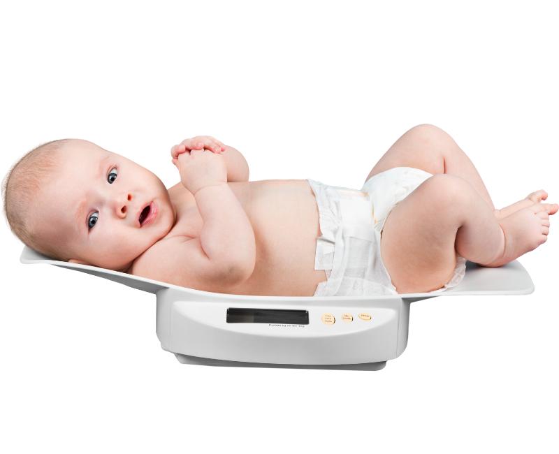 Napredovanje bebe iz meseca u mesec u prvoj godini (2)