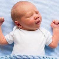 Dojenje – Kako Podstaći Laktaciju i Povećati Količinu Mleka u Dojkama