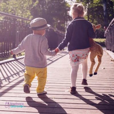 Kako Pomoci Detetu da Stekne Prijatelja Koliko je Vazno da Dete ima Druga 1. Deo Trudnoca i Zdravlje3