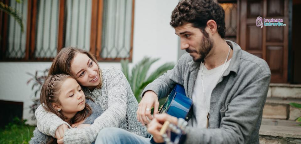 : Roditeljska međusobna ljubav i njihovo međusobno poštovanje, za dete su važniji od svih vaspitnih metoda.