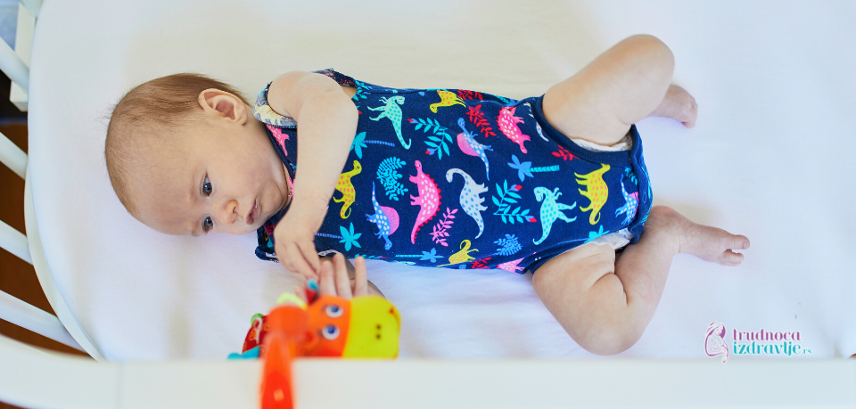 Položaj u kome beba spava može da utiče na oblik glave (1)