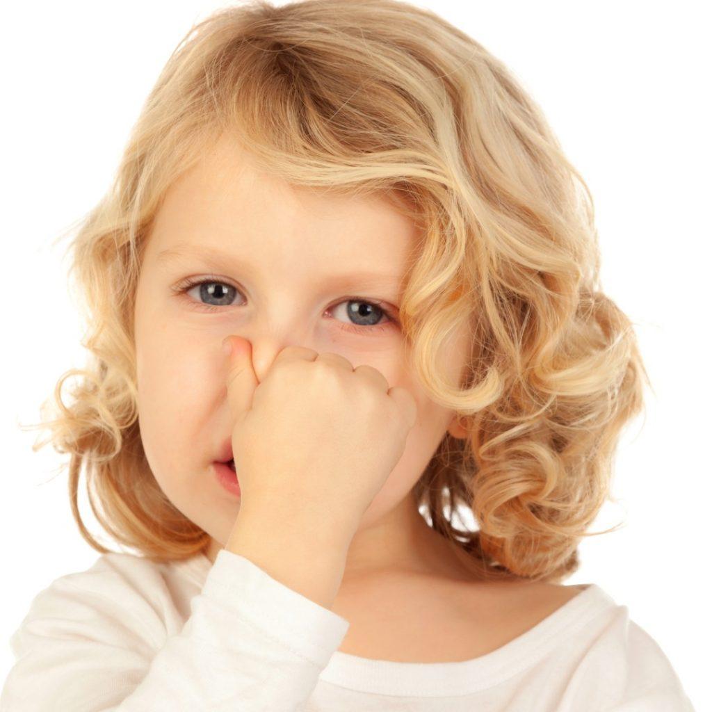 Zapušen nos kod malog deteta, strano telo u nosu (1)