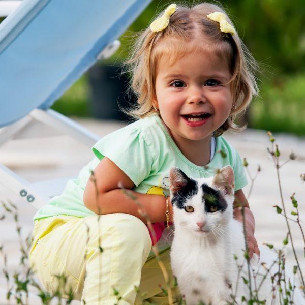 Deca treba da rastu uz kućnog ljubimca