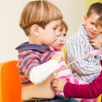 Deca uče oponašajući roditelje